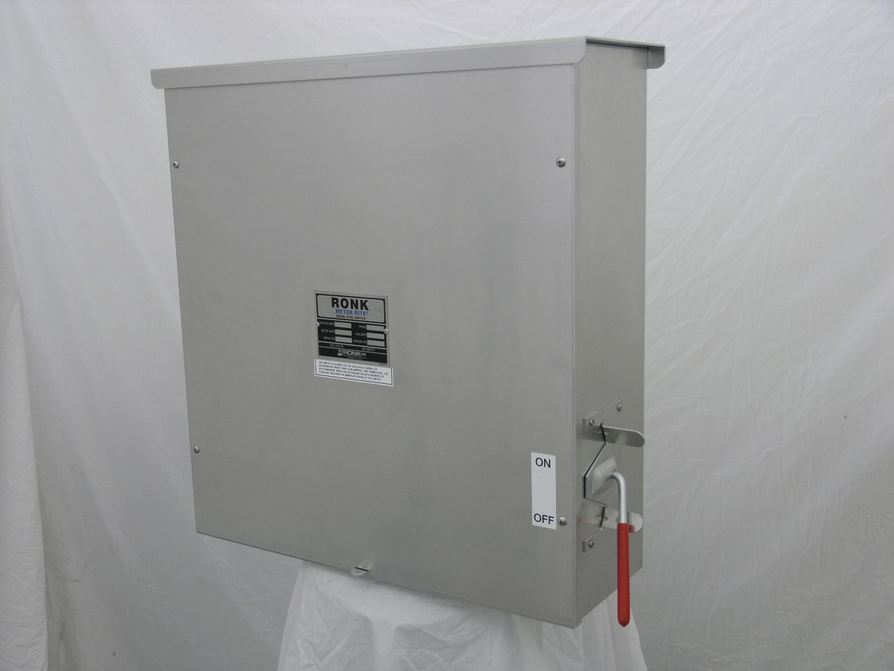 Ronk D7805 Disconnect Switch (3Ph, 200A)